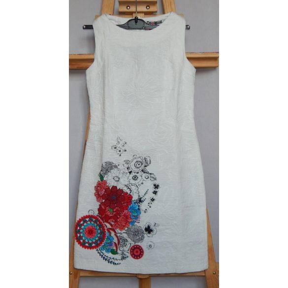 Desigual fehér virág mintás nyári ruha Vest María